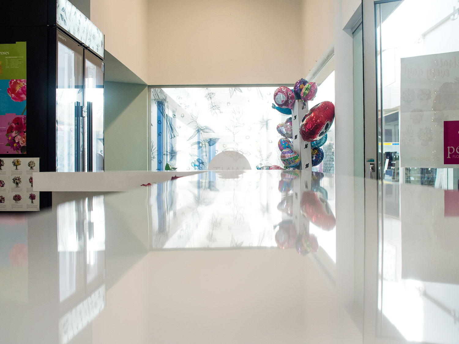 Commercial bench tops and work surfaces